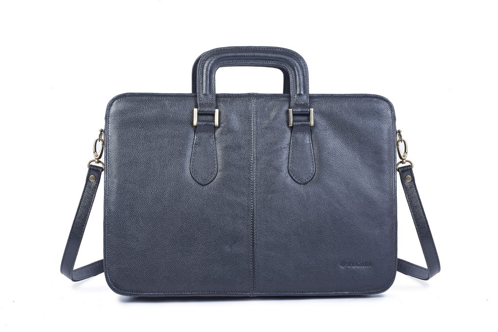 Fotografía de producto de maletín para catalogo.