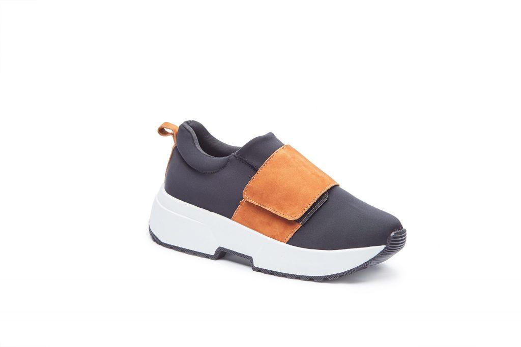 Fotografia de producto, zapato, zapatilla o champion recortado sobre fondo blanco